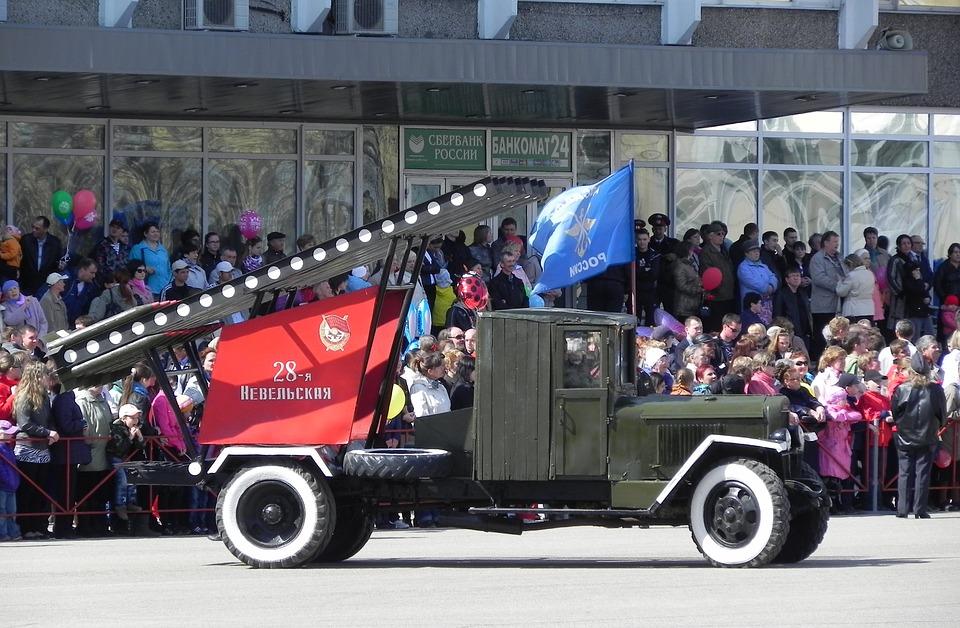 Легендарный грузовой автомобиль совесткого времени с Катюшей